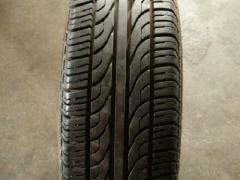 小轿车轮胎8成