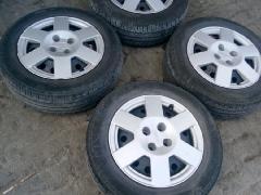 比亚迪原车轮胎轮