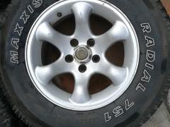 215/75R15,15寸轮毂4只,玛吉斯轮胎