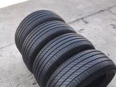 出售凯迪拉克XT5原车全新米其林轮胎18寸