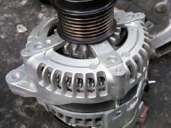 宝马530L发电机启动马达 发动机波箱减震羊角
