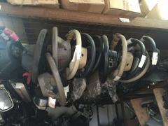 供应大量日产车二手发动机冷气泵方向盘等原装拆车件