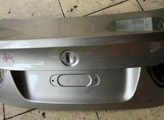宝马E90F30尾盖尾灯 机盖撑杆 前嘴中网大