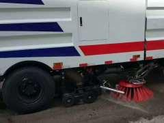 专业销售拖车,扫路车,洗扫车,清障车,吸尘车及配