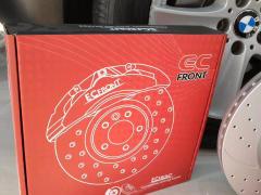 宝马X5改装升级英国ECFRONT个性打孔刹车碟