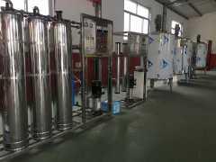一机多用万元投产车用尿素玻璃水生产设备技术配