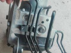 宝马F02 ABS泵 三元催化排气管 减