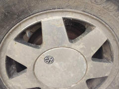 出售普通桑塔纳轮毂轮胎五