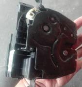 宝马F02E6E38尾盖锁车门锁 机盖锁 大